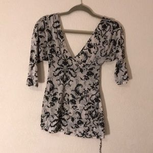 Half sleeved patterned top by Lux.